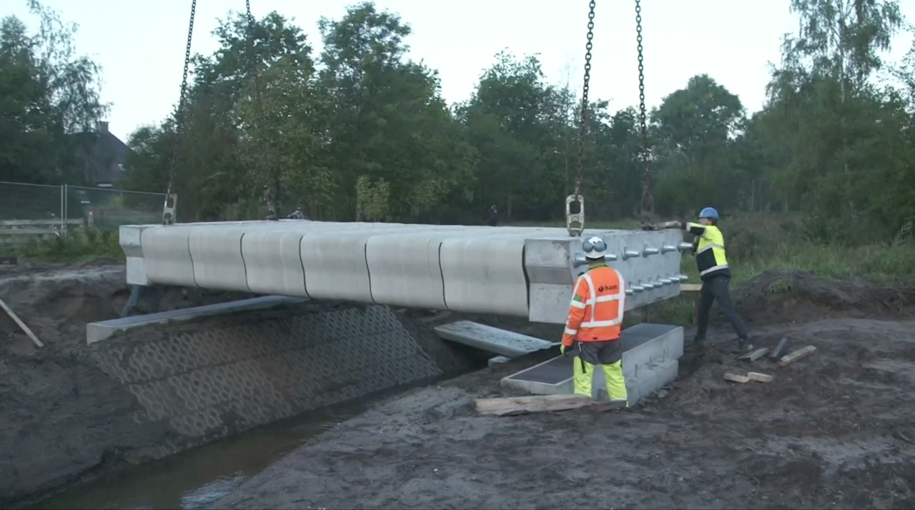 Dutch Engineers Unveil 3D Printed Concrete Bridge